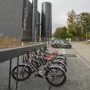 Mobilitätsstation: Anlaufstelle für Carsharing und E-Bikes