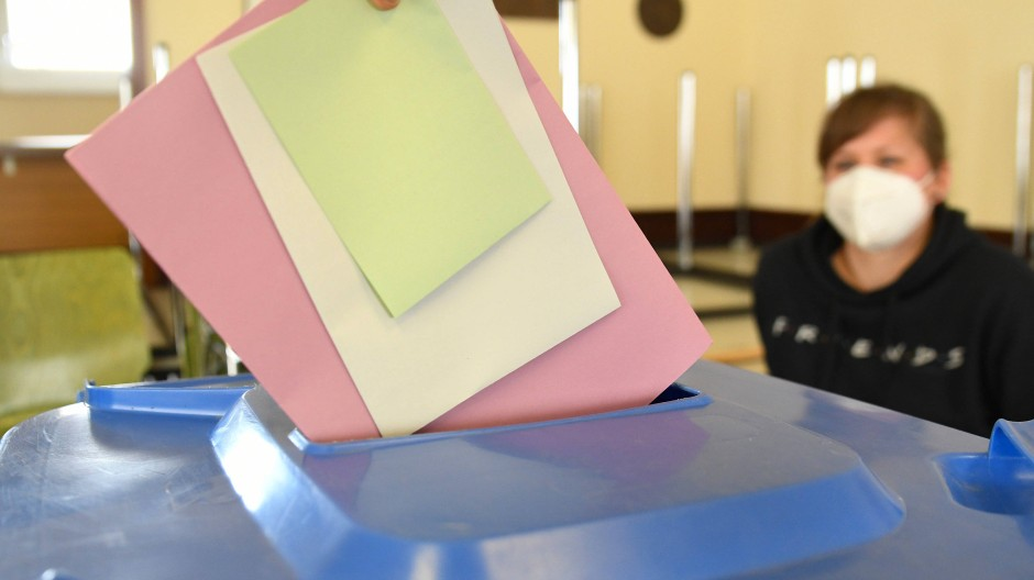 Für die Tonne? Das Ergebnis der Kommunalwahl in Niedernhausen soll aufgehoben werden.