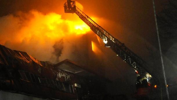 Angeklagter gesteht jahrelange Brandserie im Odenwald