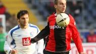 Künftig in Blau-Schwarz am Ball: Faton Toski, hier noch im Eintracht-Dress