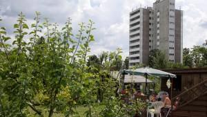 Wohnungen versus Gärten