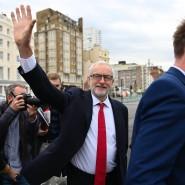 Lächeln, auch wenn die Stimmung anders ist: Jeremy Corbyn am Samstag in Brighton
