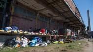 Vor der Zwangsräumung: Obdachlosen-Camp in Frankfurt