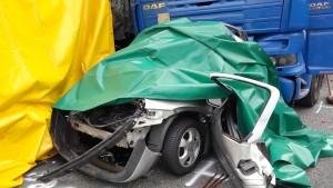 Lastwagen rast auf A 60 in Stauende: zwei Schwerverletzte
