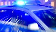 Bilanz der Schlägerei in Willingen: Es habe sieben Festnahmen und vier Leichtverletzte gegeben. Ein Verletzter sei zur Beobachtung über Nacht in einem Krankenhaus geblieben.
