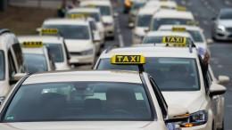 Taxifahrer geben gegen Mietwagen-Konkurrenz auf