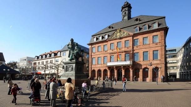 Hanauer Rathaus bleibt teilweise geschlossen