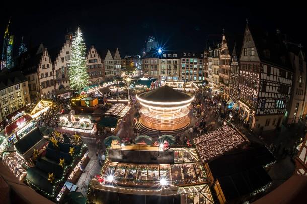 Frankfurter Weihnachtsmarkt.Bild Zu Riesiger Baum 200 Stände Frankfurter Weihnachtsmarkt