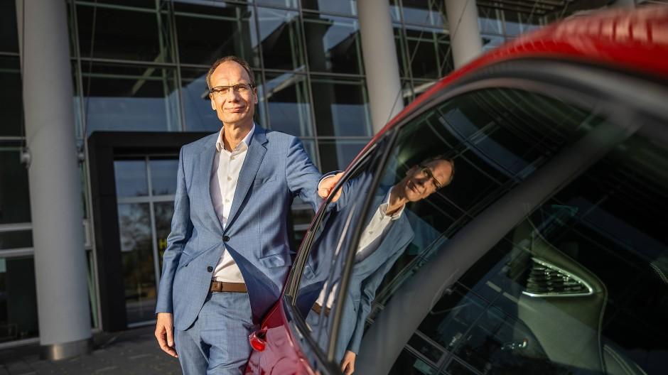 Steuermann: Firmenchef Michael Lohscheller kann sich über gute Verkäufe der Marke mit dem Blitz freuen