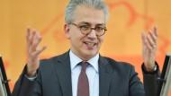 Tarek Al-Wazir glaubt, dass Hessen im neuen Bundesverkehrsplan gut wegkommt, doch leise Kritik kommt von der Unternehmerschaft.