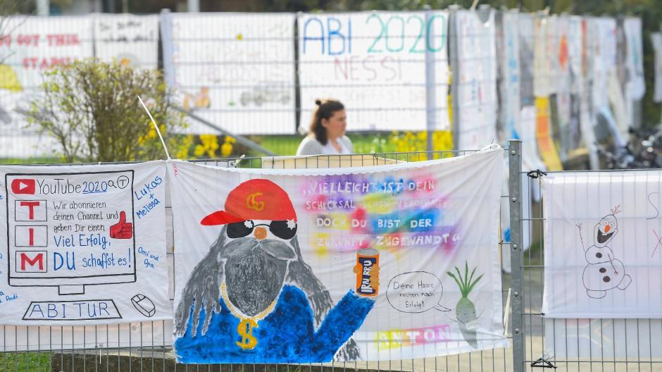Läuft: Auch wenn es nicht jedem gefällt, die Abi-Prüfungen werden durchgezogen in Hessen