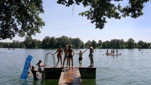 Schwimmer ertrunken? Suchaktion in Badesee