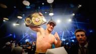 Bislang nur Interims-Champion: Der deutsche Boxer Jack Culcay könnte auch bald offiziell den Titel WBA-Weltmeister tragen.