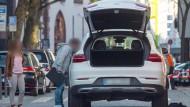 Nach der Schießerei am Himmelfahrtstag in der Frankfurter Innenstadt ist die Polizei einen Schritt weiter: In Rumänien hat sie den mutmaßlichen Schützen gefasst.