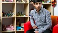 """Vom Leben auf der Straße geprägt: Der 15 Jahre junge Roman im Kinderheim """"Our kids"""" in Kiew"""