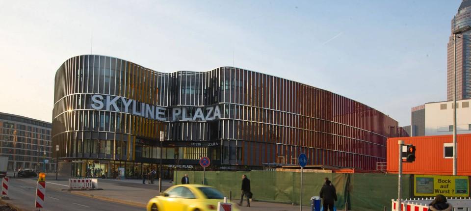 """hot sale online 51021 21bd8 Im Gespräch: Schuhhändler Thomas Dielmann: """"Im Skyline Plaza ..."""