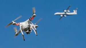 Wenn eine Drohne einem Flugzeug zu nahe kommt