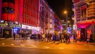 Laufkundschaft der anderen Art: In der Bahnhofsviertelnacht setzen die Organisatoren in diesem Jahr verstärkt auf Rotlicht.