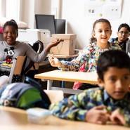 """Fröhliche Sprachförderung: Die Kinder lernen beim """"Deutschsommer"""" der Polytechnischen Gesellschaft die Sprache des neuen Heimatlandes."""
