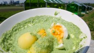 """Die traditionelle """"Grüne Soße"""" muss aus frischen Kräutern der Rhein-Main-Region bestehen"""