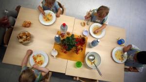Gift in Nudeln macht Kita-Kinder krank