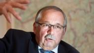 """""""Ihnen wieder Hoffnung zu geben, ist unsere vordringliche Aufgabe"""": Landtagspräsident Kartmann über Flüchtlinge, die nach Hessen kommen"""