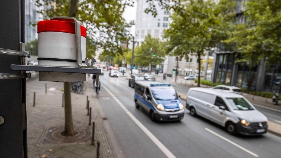 Neuralgischer Punkt: An der Mainzer Landstraße liegt die Stickoxid-Belastung nur knapp unter dem Grenzwert.