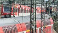 Drunter und drüber: Die S-Bahnen im Rhein-Main-Gebiet sind einer Studie zufolge besonders unpünktlich.