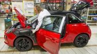 Nachgefragt: Mit dem in Eisenach gefertigten Kleinwagen Adam will Opel den Weg aus der Krise antreten.