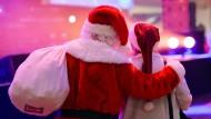 Abgedeckt: Auch bei der Weihnachtsfeier einer kleineren Abteilung in einer Firma ist ein Unfall unter bestimmten Voraussetzungen gesetzlich unfallversichert