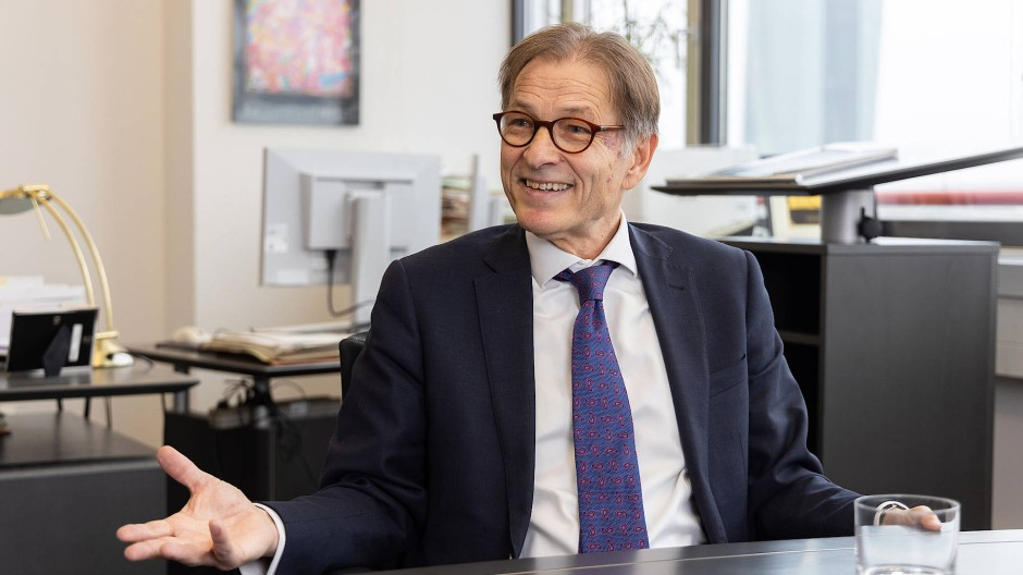Schutzwälle gegen den Hass: Helmut Fünfsinn arbeitet als Opferbeauftragter.