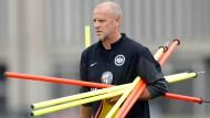 Tragende Rolle bei der Eintracht: Trainer Schaaf tut alles, um seine Spieler bei der Stange zu halten.