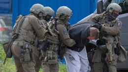 SEK nimmt bewaffneten Mann fest
