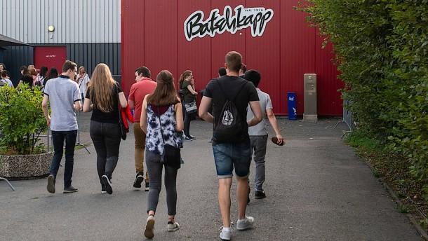 Clubs bekommen Open-Air-Flächen in Frankfurt