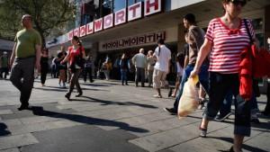 Woolworth gibt Zeil und Kids stores auf