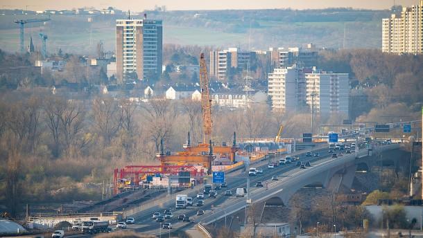 Schiersteiner Brücke weiter im Plan