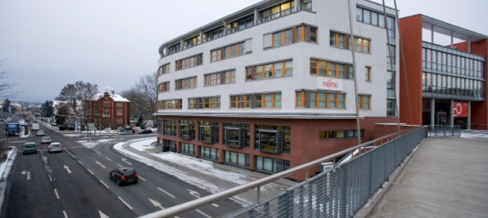 6553fd1896116b Ohne Zukunft  Fujitsu wird dieses Gebäude unweit des Bahnhofs von Bad  Homburg im Juli verlassen