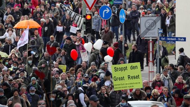 Gericht bestätigt Verbot von Demo gegen Corona-Maßnahmen in Kassel