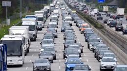 Mehr als 33.700 Stunden Stau auf Autobahnen in Hessen