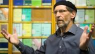 """Hält nichts von """"Buchstabengläubigkeit"""": Abdullah Uwe Wagishauser, Vorsitzender der Ahmadiyya Gemeinde"""