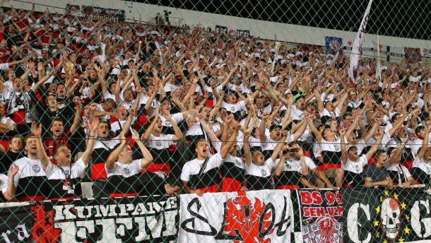 Eintracht Frankfurt muss 25.000 Euro Strafe zahlen