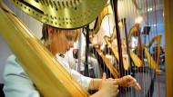 Wohlklang: Harfenkonzert beim Romantik-Kongress im Frankfurter Kunstverein