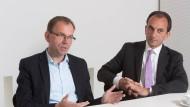 Sprechen von Reallohnsteigerung für die Beamten: die Fraktionschefs Michael Boddenberg (CDU) und Mathias Wagner (Die Grünen, links))