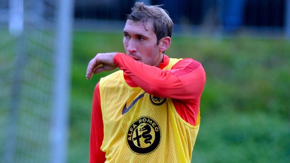 Angeschlagen: Stefan Reinartz plagen ausgerechnet vor dem Wiedersehen mit den früheren Leverkusener Kollegen Knieprobleme.