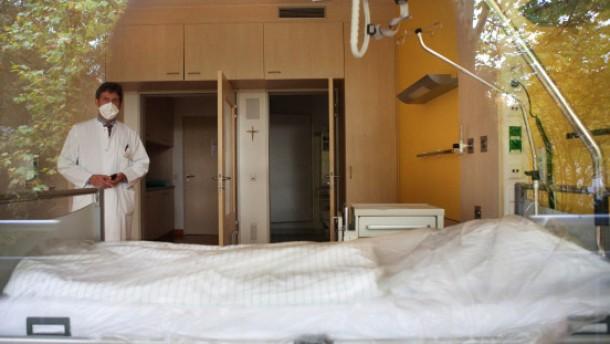Infektiologie - Das Sankt Katharinen Krankenhaus in Frankfurt verfŸgt seit seiner GrŸndung Ÿber eine eigene Abteilung fŸr hochansteckende Krankheiten, die es sonst nur an der Uniklinik gibt.