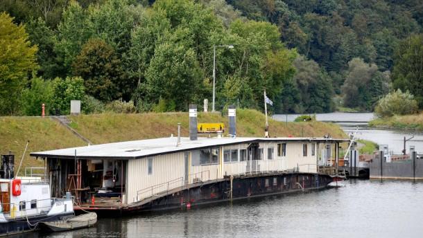 M Kuh Kettenschleppschiff Aschaffenburg Schleppend Voran