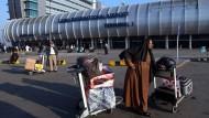 Ansichtssache: Der Flughafen von Kairo, von dem aus der junge Gießener abgeschoben worden sein soll