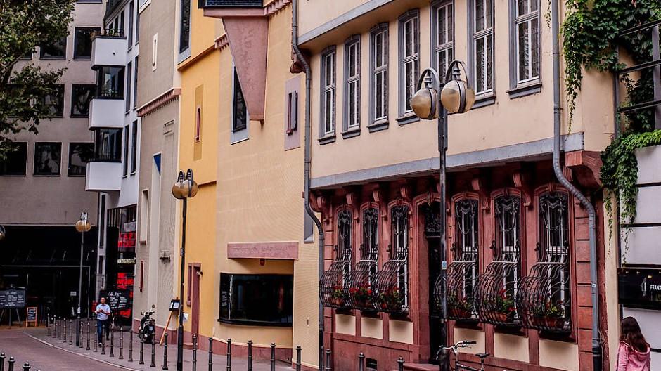 Fifty shades of yellow: Romantikmuseum am Goethehaus