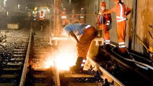 Neue Schienen für Frankfurter Hauptschlagader
