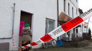 Bewohner nach Brand in Flüchtlingsheim in Haft